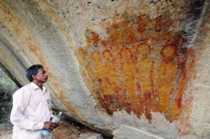 ancient-rock-paintings-charama-india-ufos