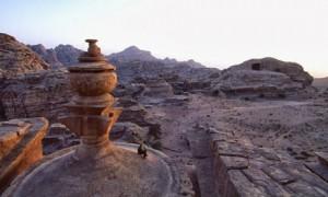 Al-Deir-Monastery-in-Petr-001