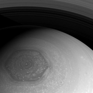 Saturn_hexagon