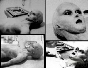 Roswell-New-Mexico-1947-UFO-Crash-and-alien-bodies-2
