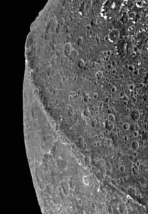 Iapetus-erosion3